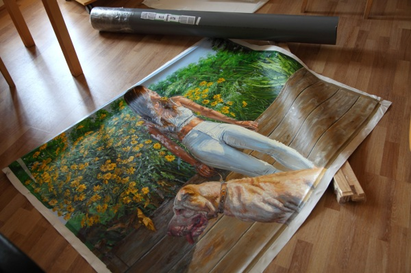 rolled-up-canvas-in-tube